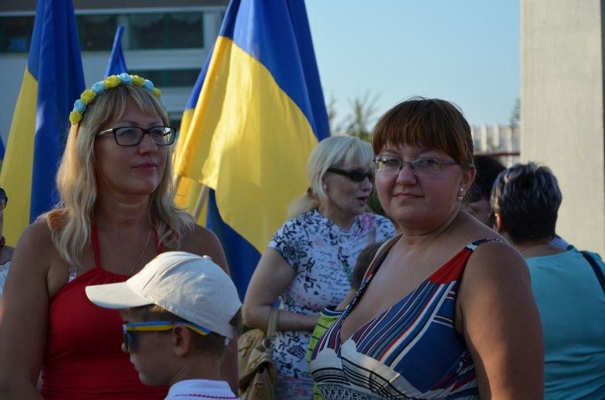 В Мариуполе киевские артисты поддержали жителей на концерте (ФОТО+ВИДЕО), фото-3