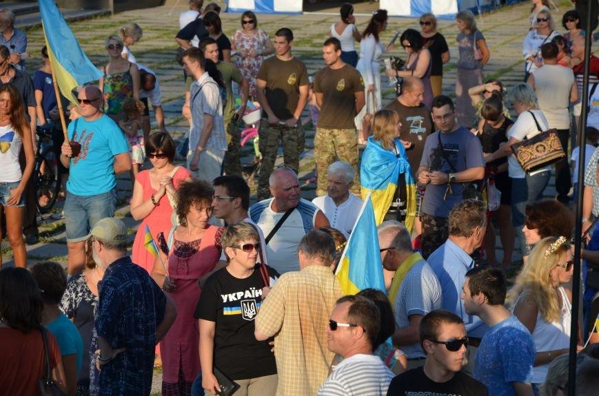 В Мариуполе киевские артисты поддержали жителей на концерте (ФОТО+ВИДЕО), фото-15