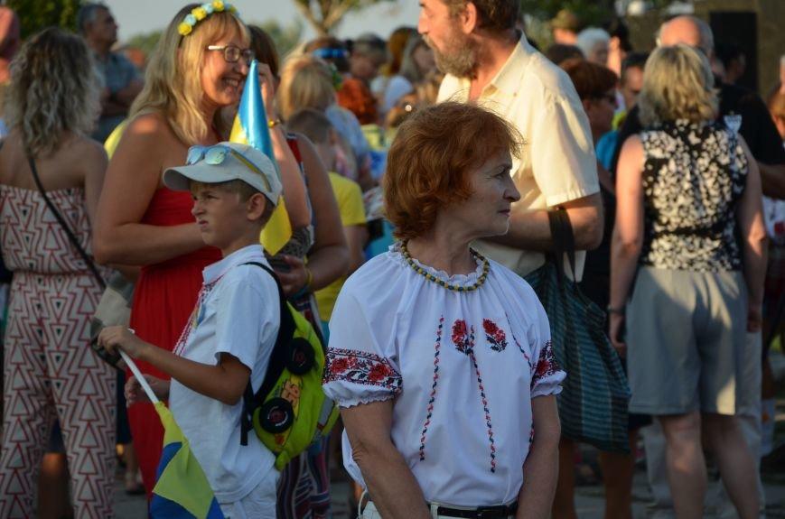В Мариуполе киевские артисты поддержали жителей на концерте (ФОТО+ВИДЕО), фото-22