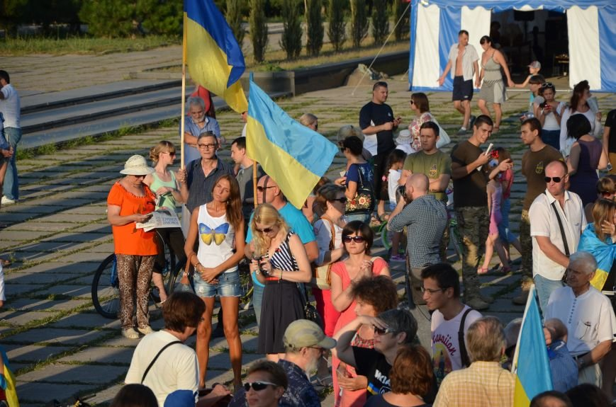 В Мариуполе киевские артисты поддержали жителей на концерте (ФОТО+ВИДЕО), фото-20