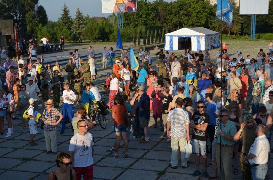 В Мариуполе киевские артисты поддержали жителей на концерте (ФОТО+ВИДЕО), фото-14
