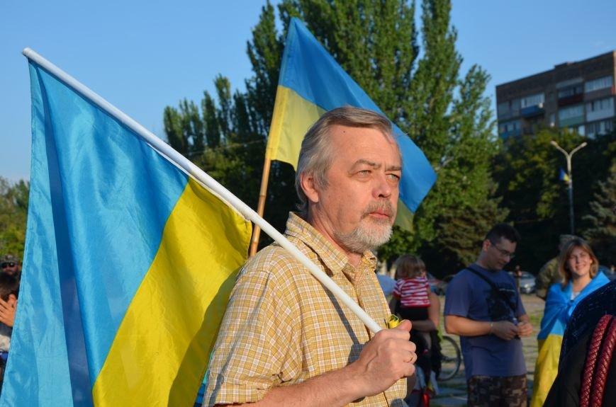 В Мариуполе киевские артисты поддержали жителей на концерте (ФОТО+ВИДЕО), фото-4