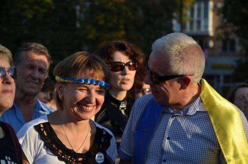 В Мариуполе киевские артисты поддержали жителей на концерте (ФОТО+ВИДЕО), фото-24