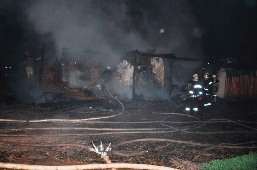 Спасатели опубликовали фото горящей «Запорожской сечи» (ФОТО) (фото) - фото 4