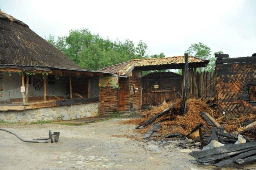 Спасатели опубликовали фото горящей «Запорожской сечи» (ФОТО) (фото) - фото 13