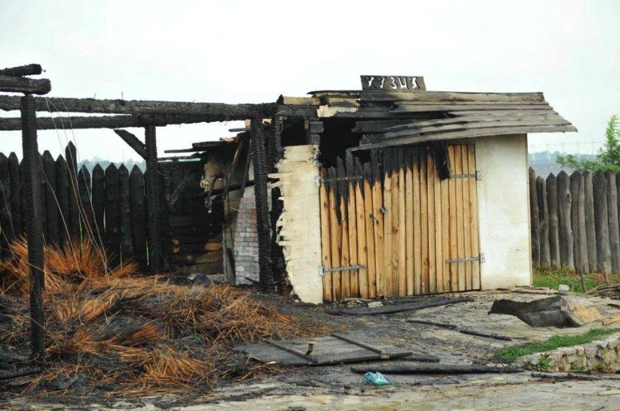 Спасатели опубликовали фото горящей «Запорожской сечи» (ФОТО) (фото) - фото 7