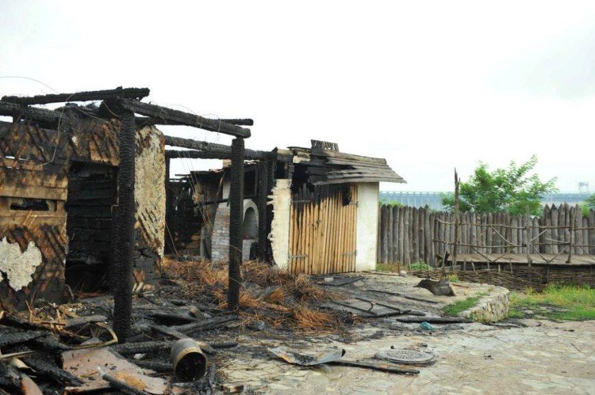 Спасатели опубликовали фото горящей «Запорожской сечи» (ФОТО) (фото) - фото 10