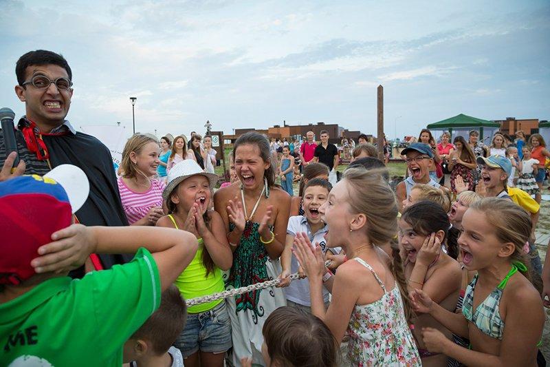 На благотворительной пляжной вечеринке белгородцы собрали 50 тысяч рублей на лечение онкобольных детей (фото) - фото 3