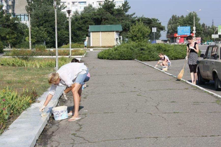В Днепропетровске около тысячи людей поддержали инициативу Оппозиционного блока и вышли на общегородской субботник (фото) - фото 5