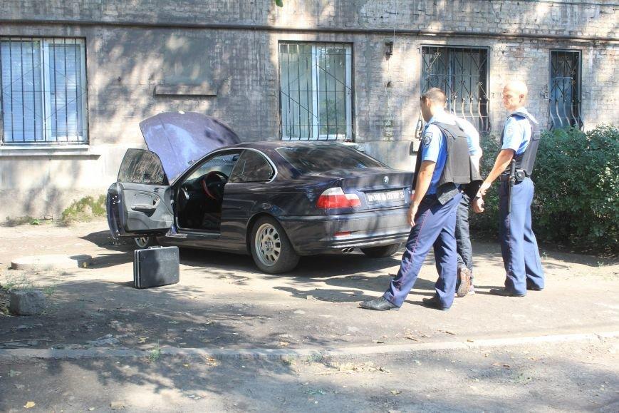 В Днепродзержинске бывший охранник Дмитрия Яроша взял в заложники женщину (фото) - фото 1