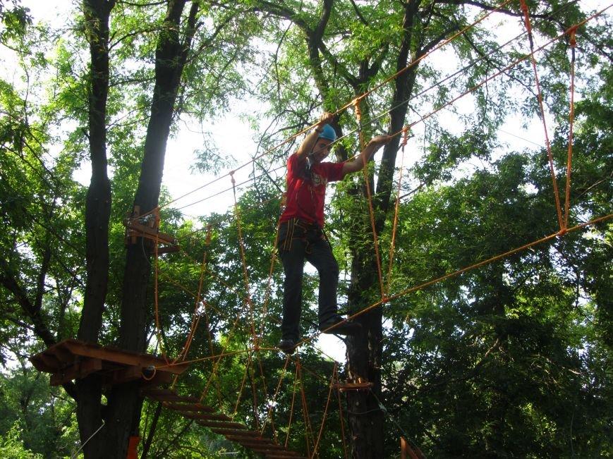 В Днепропетровске открылся новый веревочный парк с велосипедами на деревьях, фото-1