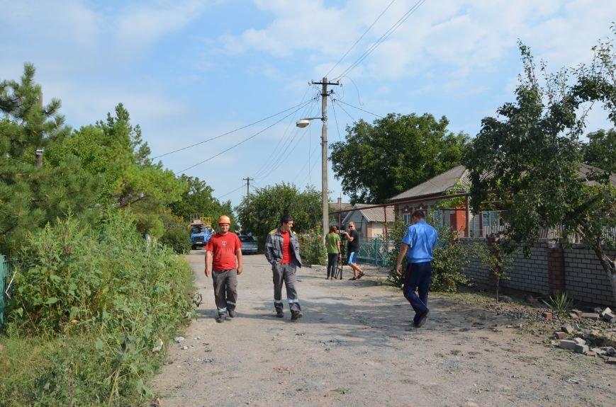 Сартана после обстрела: жители восстанавливают дома и ругают военных (ФОТО+ВИДЕО), фото-7