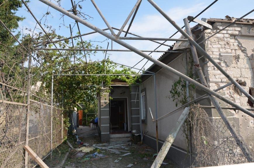 Сартана после обстрела: жители восстанавливают дома и ругают военных (ФОТО+ВИДЕО), фото-34