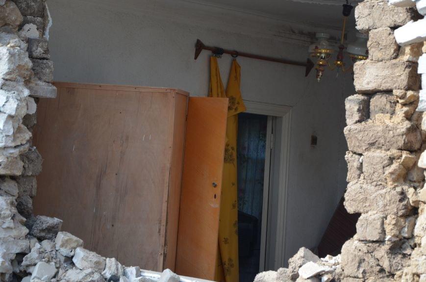 Сартана после обстрела: жители восстанавливают дома и ругают военных (ФОТО+ВИДЕО), фото-43