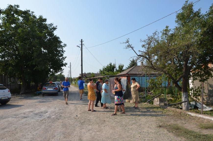 Сартана после обстрела: жители восстанавливают дома и ругают военных (ФОТО+ВИДЕО), фото-28