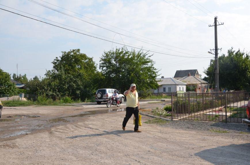 Сартана после обстрела: жители восстанавливают дома и ругают военных (ФОТО+ВИДЕО), фото-24