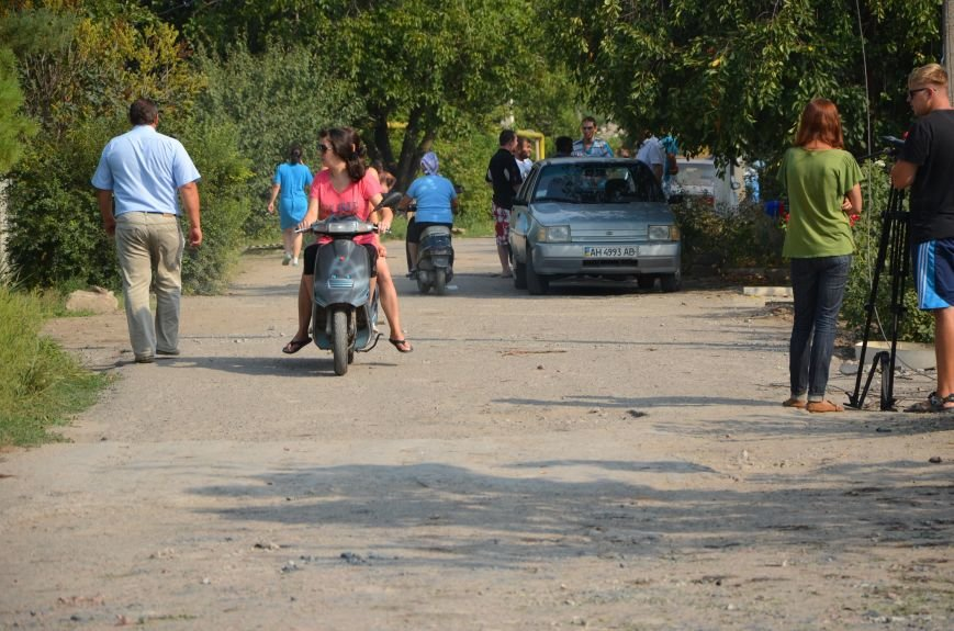 Сартана после обстрела: жители восстанавливают дома и ругают военных (ФОТО+ВИДЕО), фото-19