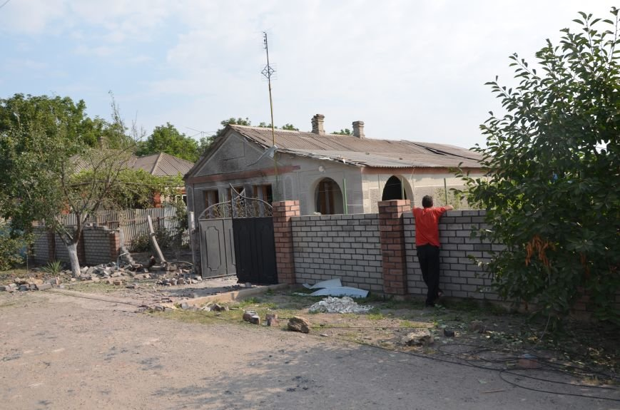 Сартана после обстрела: жители восстанавливают дома и ругают военных (ФОТО+ВИДЕО), фото-14