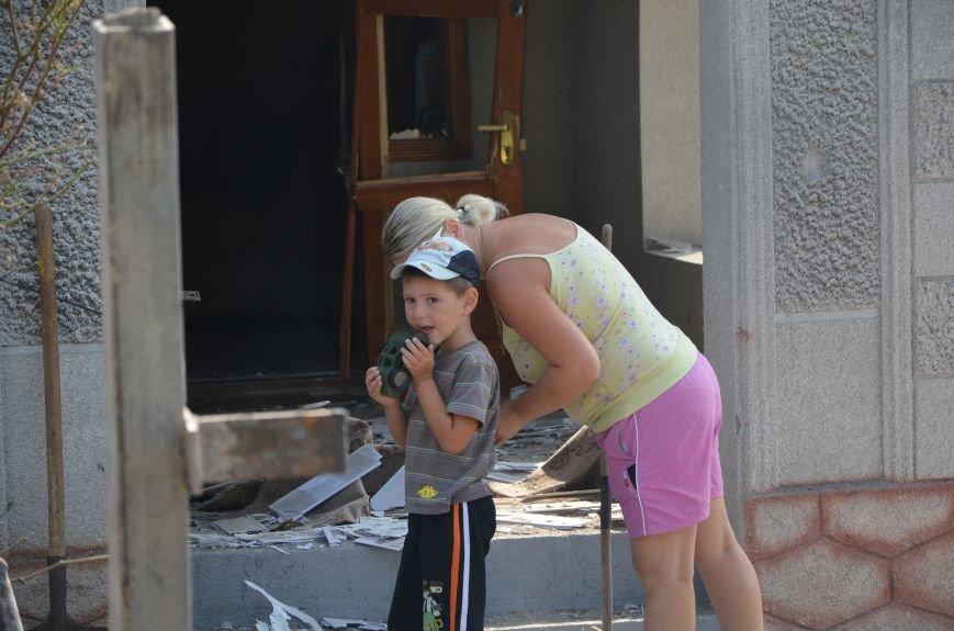 Сартана после обстрела: жители восстанавливают дома и ругают военных (ФОТО+ВИДЕО), фото-6