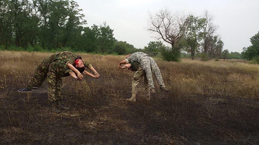 Бойцы  «Правого сектора» обучали криворожан необходимым в овремя войны вещам:  тактике и медицине (ФОТО) (фото) - фото 1