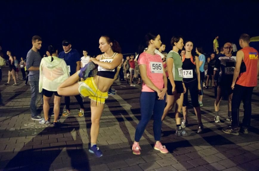 Ночной полумарафон в Днепропетровске: как это было (ФОТО) (фото) - фото 8