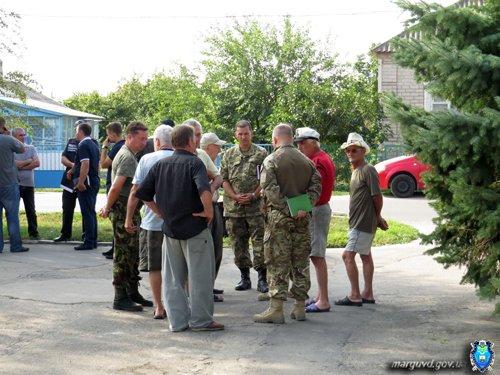 В Сартане милиция усилила патруль, чтобы пресечь факты мародерства (ФОТО), фото-6