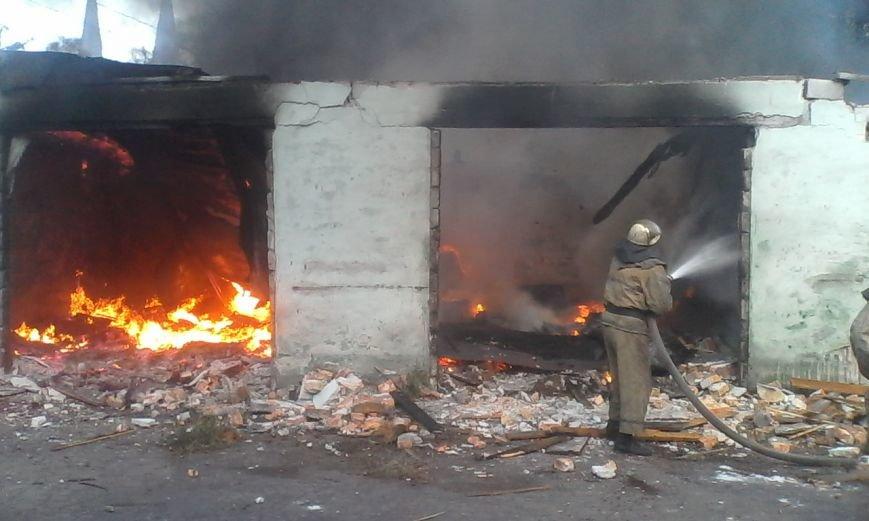 В Днепродзержинске бездомные подожгли гаражи, фото-1