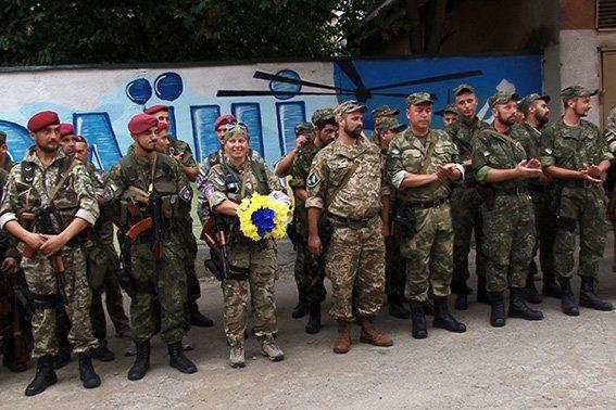 Зі Сходу повернувся 13 зведений загін прикарпатських правоохоронців (ФОТО) (фото) - фото 1