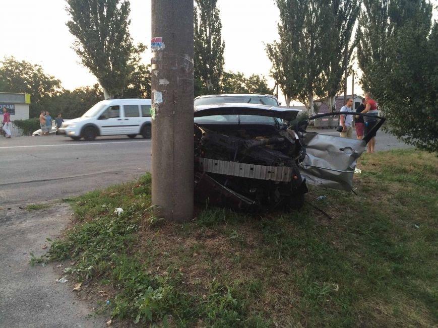 ДТП в Днепропетровске: столкнулись Mazda и BMW (ФОТО) (фото) - фото 2