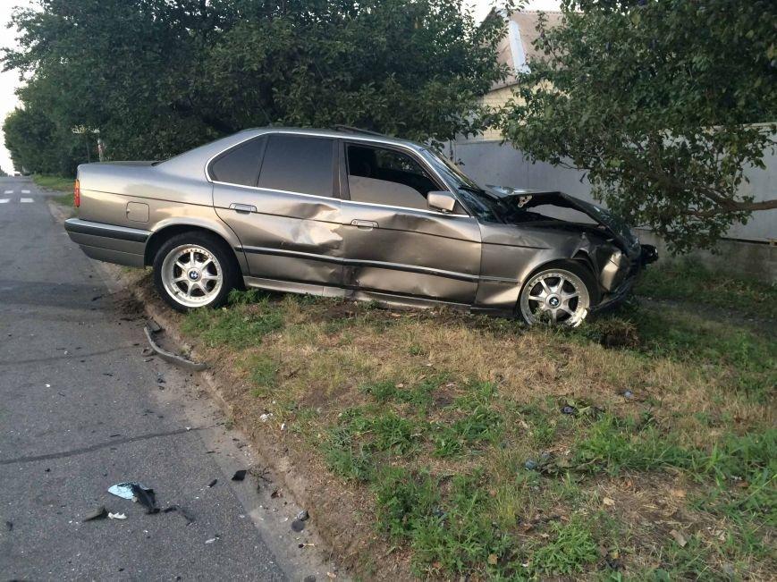 ДТП в Днепропетровске: столкнулись Mazda и BMW (ФОТО) (фото) - фото 4