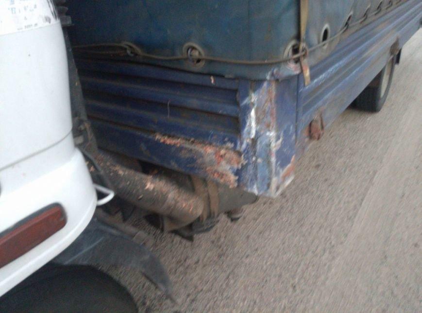 На запорожской трассе грузовик столкнулся с легковушкой, - погиб пассажир (ФОТО), фото-3