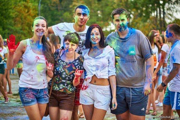 «Ліга активних славутчан» влаштувала кольорове свято (Фото) (фото) - фото 1