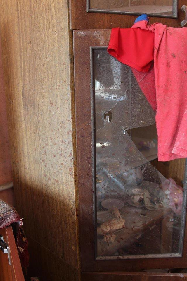 Не дожидаясь помощи властей, мариупольцы начали разбирать завалы в Сартане (ФОТО), фото-3