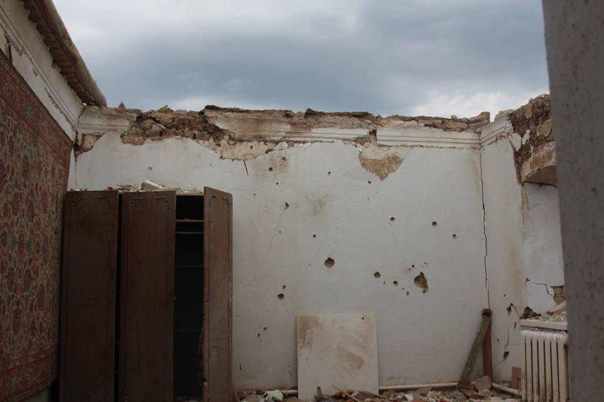 Не дожидаясь помощи властей, мариупольцы начали разбирать завалы в Сартане (ФОТО), фото-18
