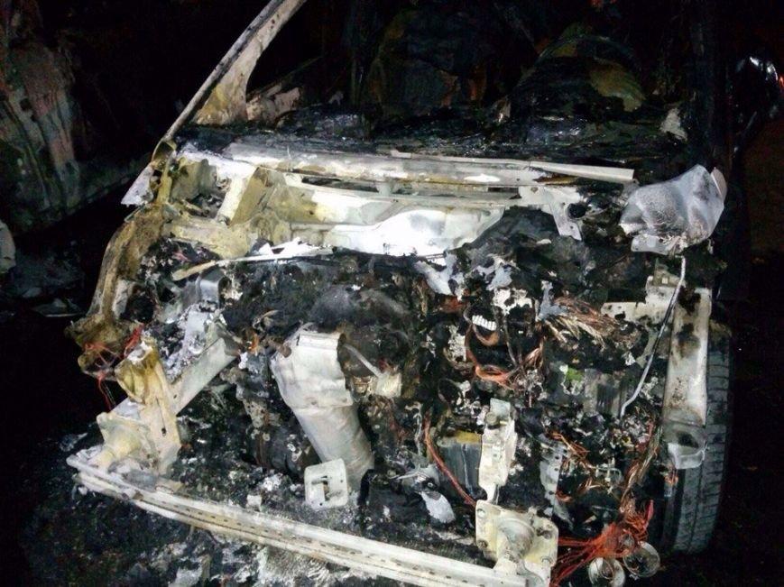 Ночью в Запорожье сгорели иномарки (добавлено ФОТО) (фото) - фото 4