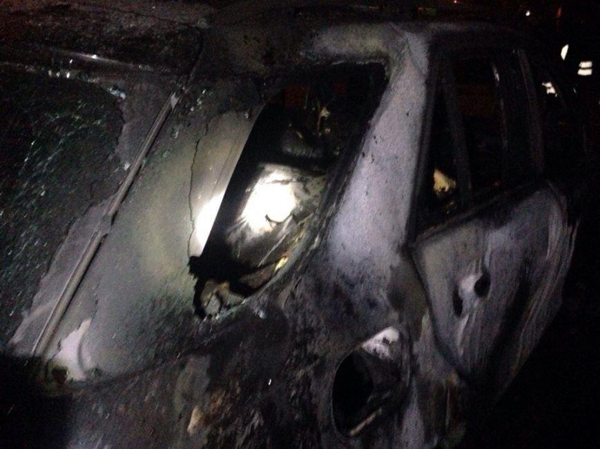 Ночью в Запорожье сгорели иномарки (добавлено ФОТО) (фото) - фото 5