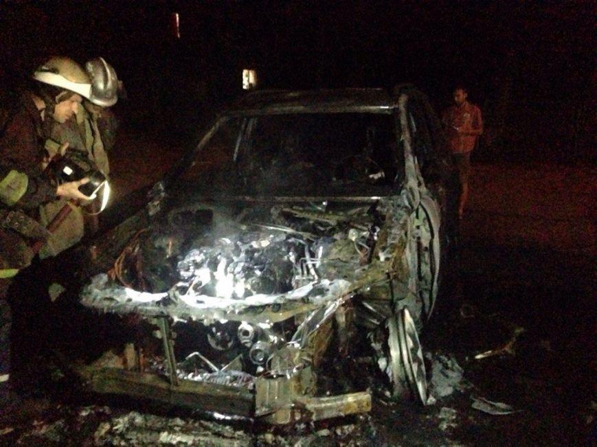 Ночью в Запорожье сгорели иномарки (добавлено ФОТО) (фото) - фото 6