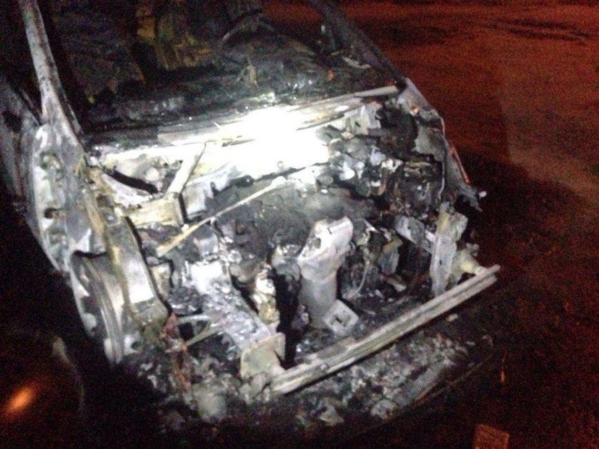 Ночью в Запорожье сгорели иномарки (добавлено ФОТО) (фото) - фото 3