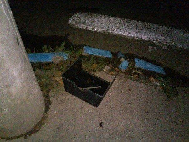 Один за одним спалахували та сипали іскрами ліхтарі на вул. Небесної Сотні у Чернівцях (фото) - фото 2