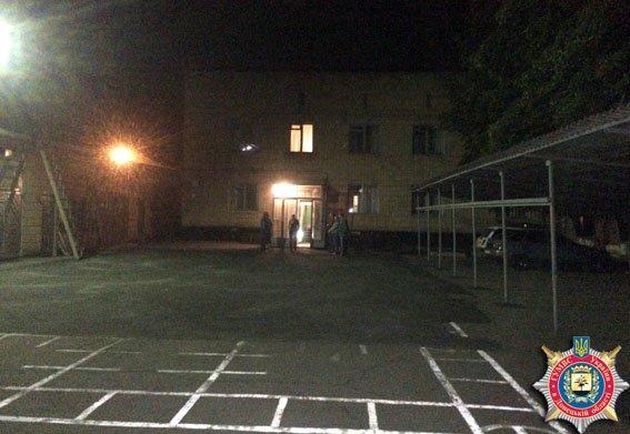 Ночной поджог Красноармейско-Селидовского военкомата (подробности) (фото) - фото 1