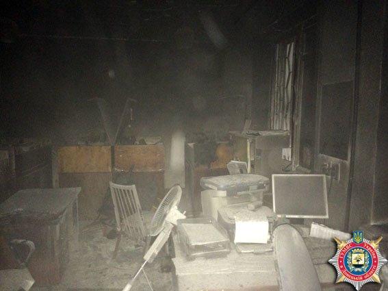 Ночной поджог Красноармейско-Селидовского военкомата (подробности) (фото) - фото 2