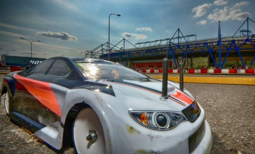 Павлоградские спортсмены выступили в гонке радиоуправляемых автомоделей в Харькове (фото) - фото 2