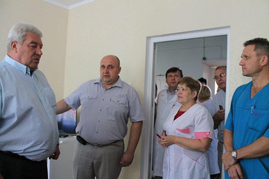 В Артемовской ЦРБ презентовали проекты, выполненные в рамках грантов (фото) - фото 2