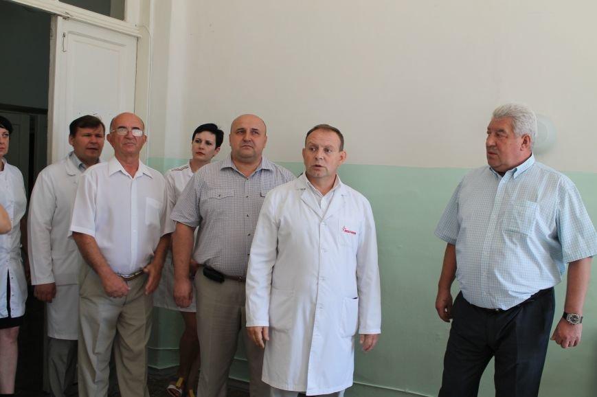 В Артемовской ЦРБ презентовали проекты, выполненные в рамках грантов (фото) - фото 4