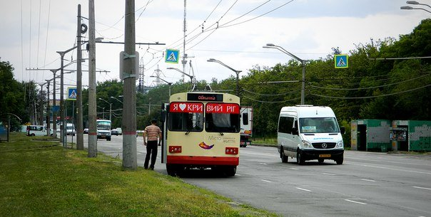 В Кривом Роге обкатывали троллейбус, восстановленный после столкновения с электроопорой (ФОТО) (фото) - фото 1
