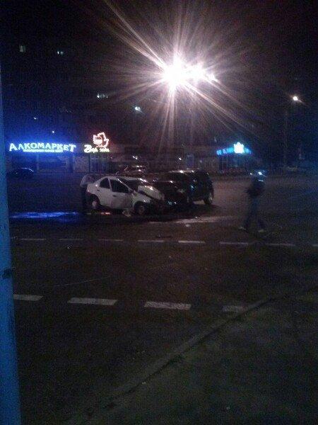 Жуткое ДТП в Кривом Роге: при столкновении внедорожника с «Dacia Logan» пострадали четверо (ФОТО) (фото) - фото 2