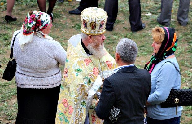 Митрополит Онуфрій відвідав хутір Слатино на Буковині (фото) - фото 1