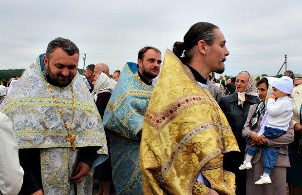 Митрополит Онуфрій відвідав хутір Слатино на Буковині (фото) - фото 7