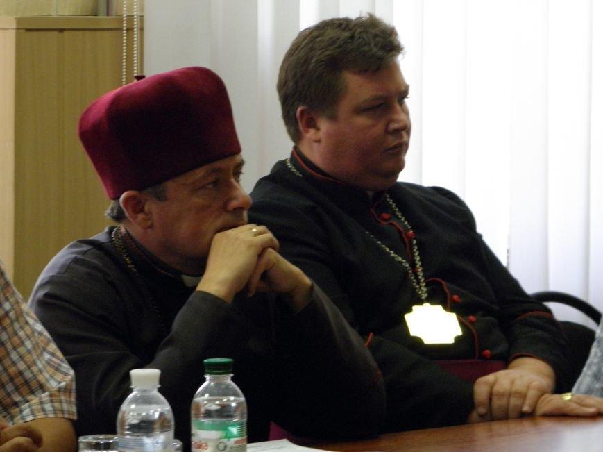 Губернатор зовет священников поработать в логистических центрах (фото) - фото 4