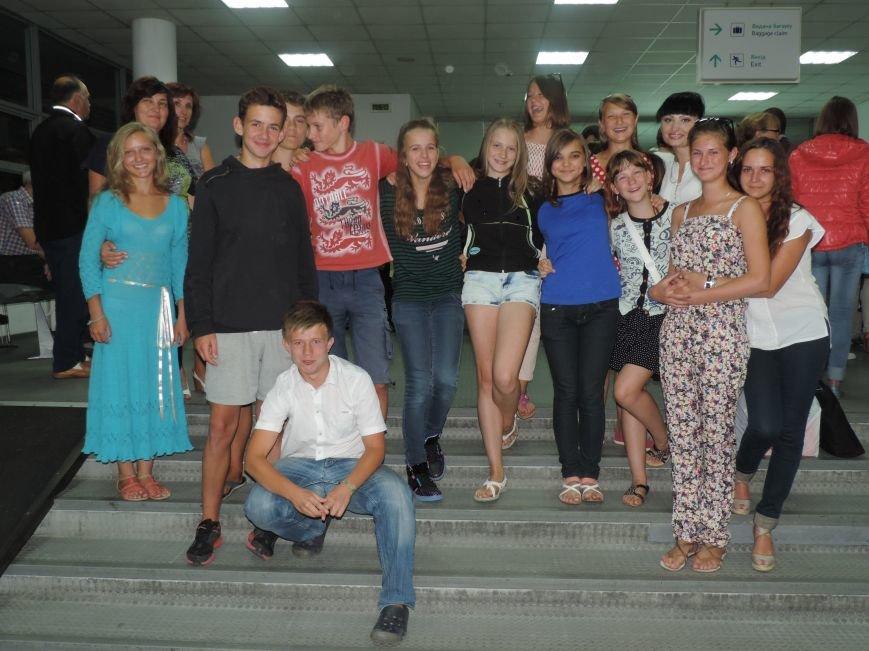 В Днепропетровск из Литвы вернулись дети переселенцев (фото) - фото 6